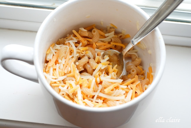 Add A Heaping 1 3 Cup Shredded Cheddar Jack Cheese Pictured Above Return To The Microwave For 30 45 Seconds Melt