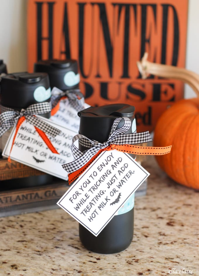 15 easy last minute halloween party favor ideas ella claire for Last minute party ideas