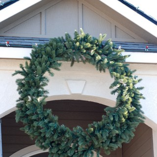 Balsam-Hill-Wreath-with-Chirstmas-Lights-after