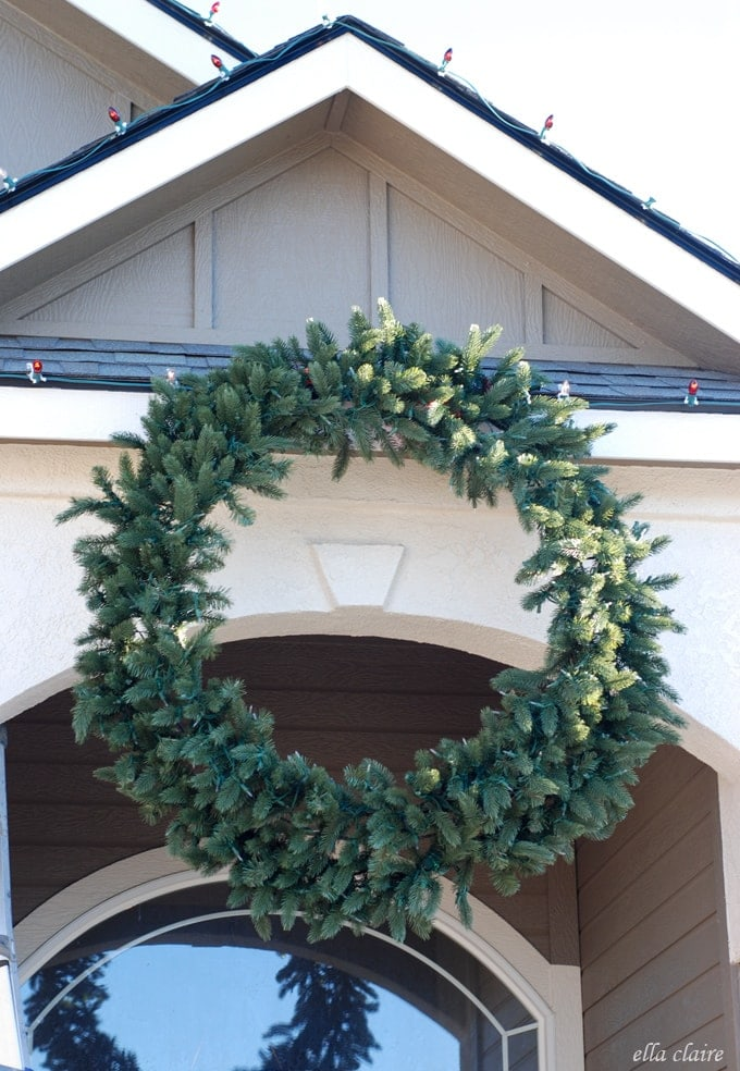 balsam hill wreath with chirstmas lights after - Large Outdoor Christmas Wreath