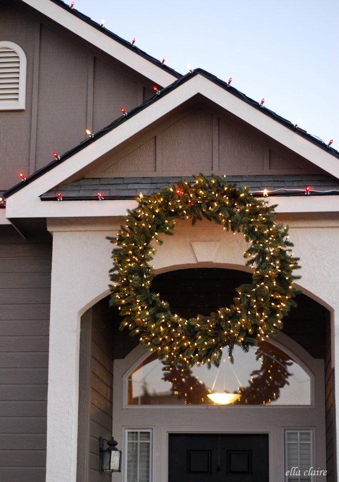 Balsam-Hill-Wreath-with-Chirstmas-Lights