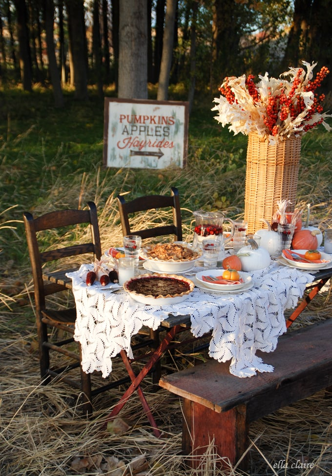 Autumn Tablescape. I love warm fall colors!