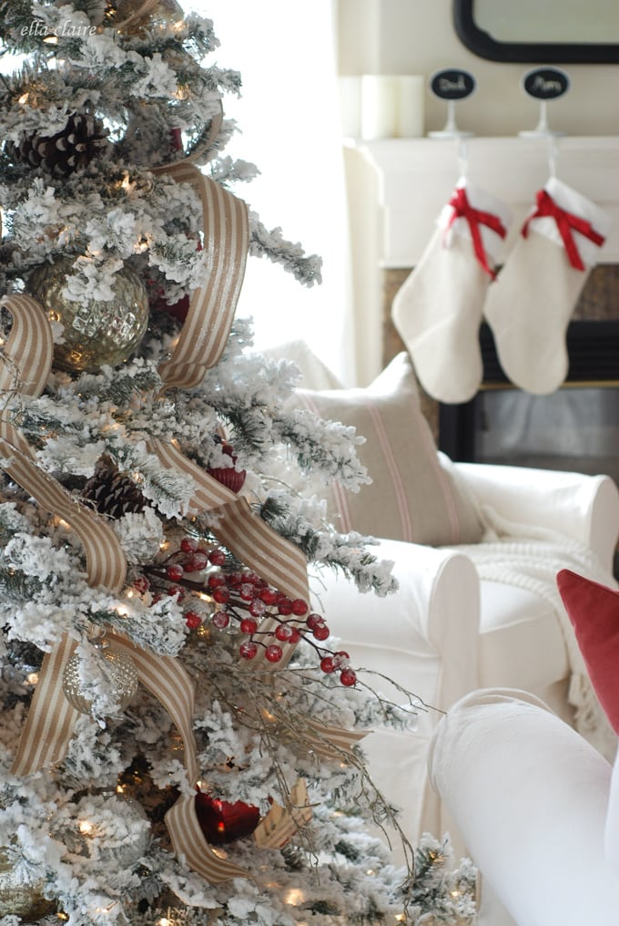 I love this slipcovered sofa set and gorgeous holiday decor!