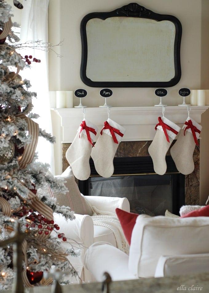 I love this gorgeous Christmas decor!