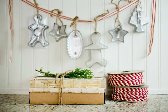 Adorable Vintage cookie cutter garland