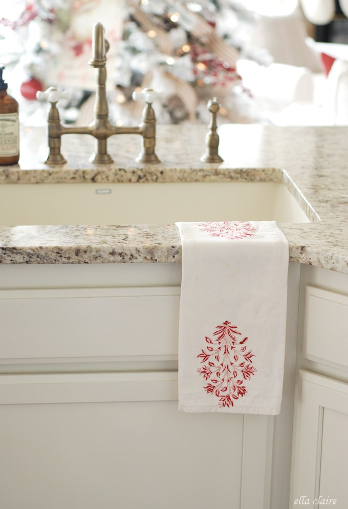 Beautiful Christmas towel from Ella Clair Inspired....could be a great DIY! | Friday Christmas Favorites at www.andersonandgrant.com