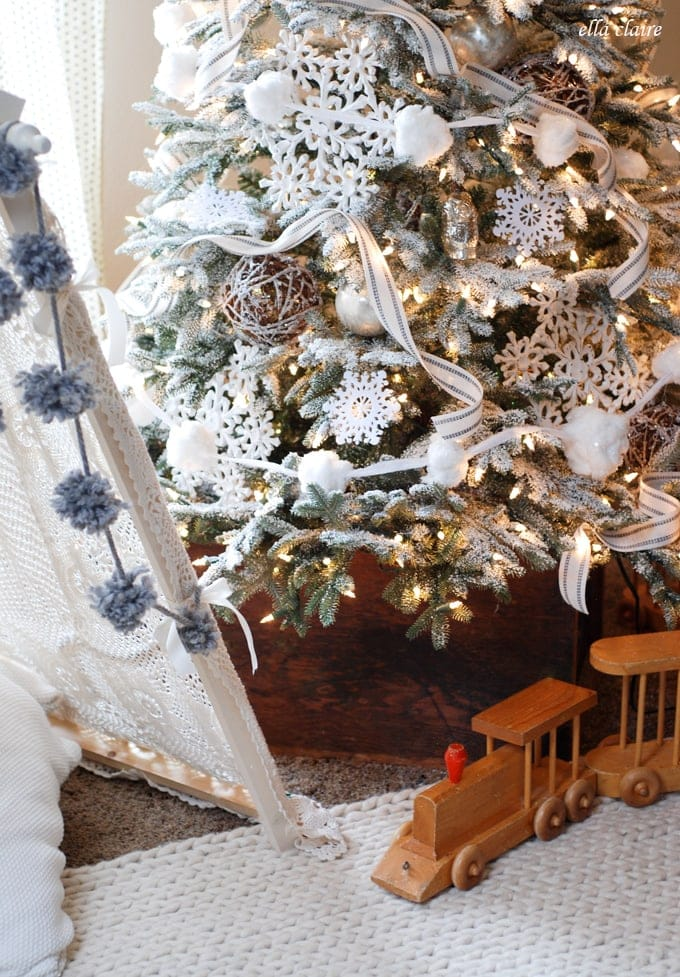 vintage-tent-and-rug-from-Ella-Claire