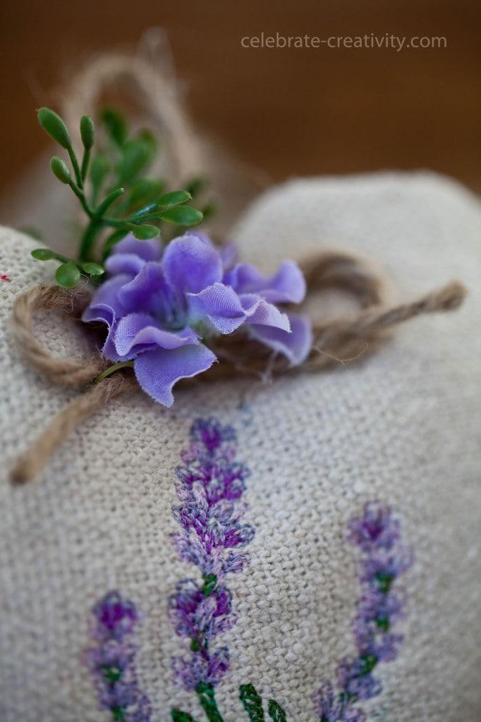 lavender heart sachet10