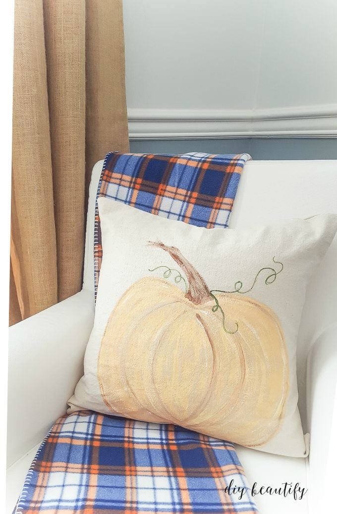 painted-pumpkin-pillows-finished-1