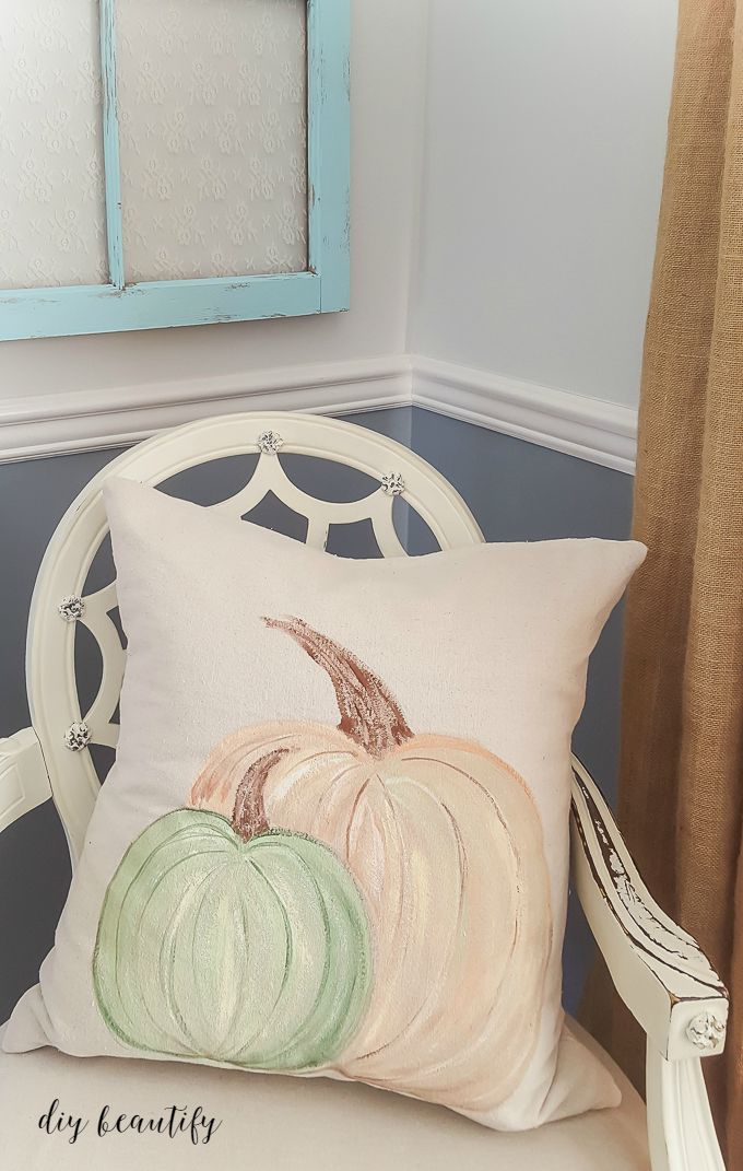 painted-pumpkin-pillows-finished-2