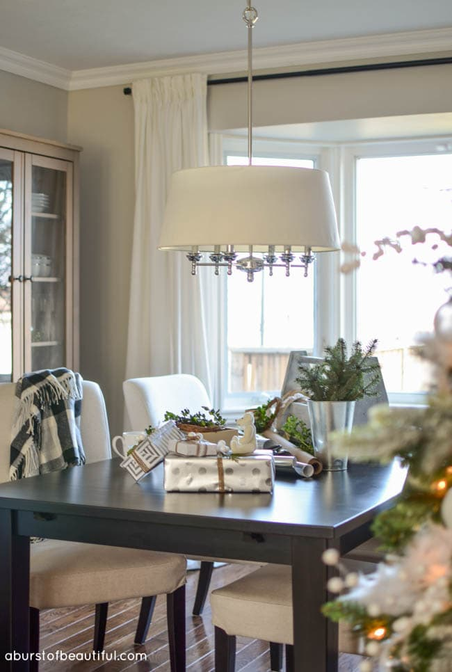 2015 Christmas Home Tour_Living & Dining Room_22