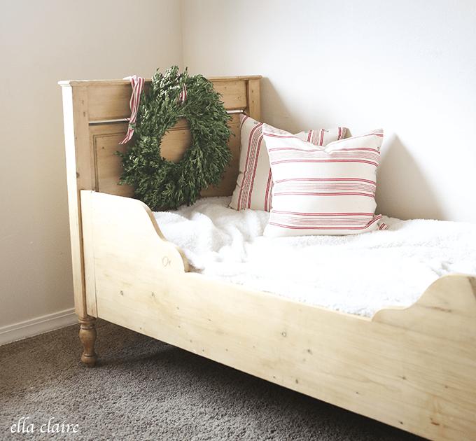 Vintage Christmas Child Bedroom