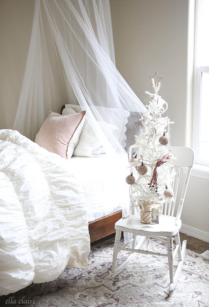 girls vintage christmas bedroom