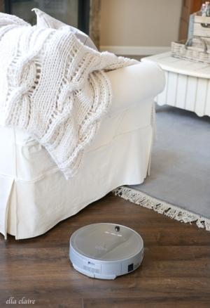 How I keep my Dark Floors Clean- Robotic Vacuum Review