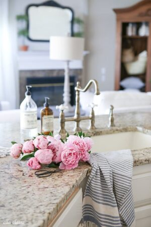Summer home tour with vintage farmhouse charm