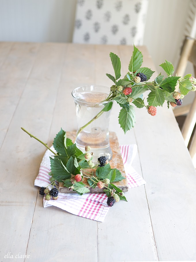 Easy DIY Summer Flower Arrangement  with blackberries and clippings from the garden.
