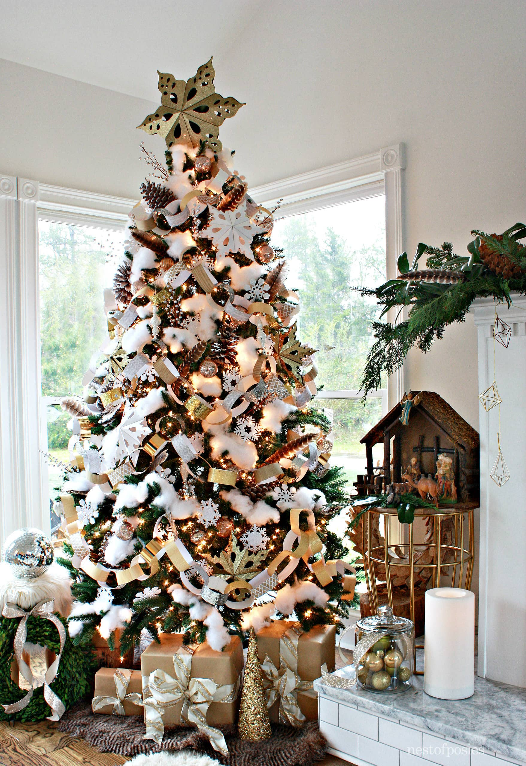 paper and snow christmas tree - Snowing Christmas Decoration