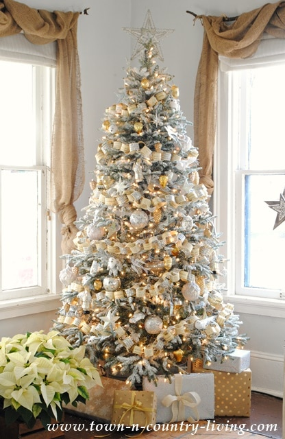 town-and-country-living-christmas-tree-2