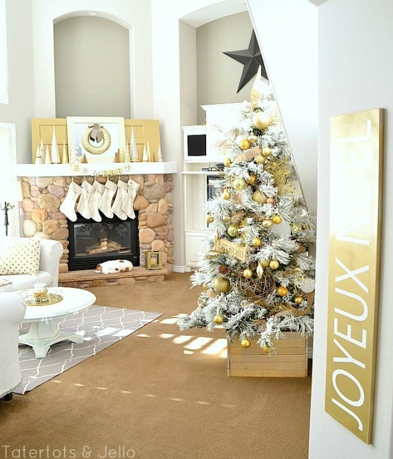 gold-and-white-christmas-decorating-1