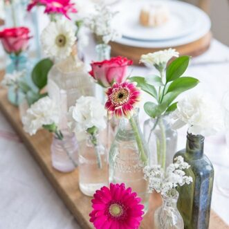 Simple Valentine's Day Tablescape