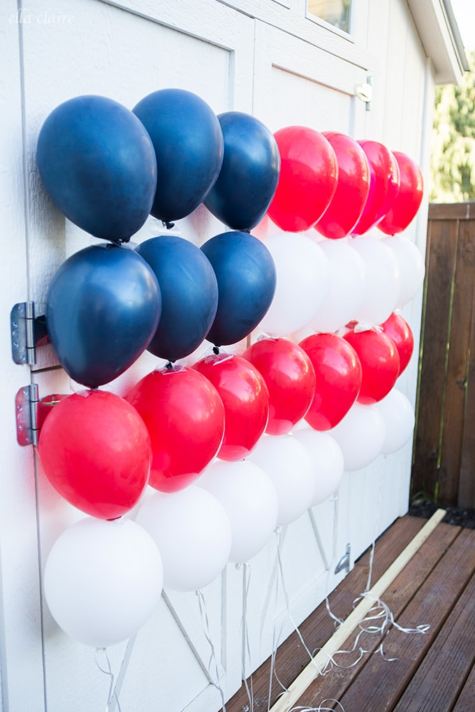 Party ideas and decor inspiration. Patriotic Balloon Flag for 4th of July or Memorial Day. #partyideas #balloons #patriotic #4thofjuly #memorialday