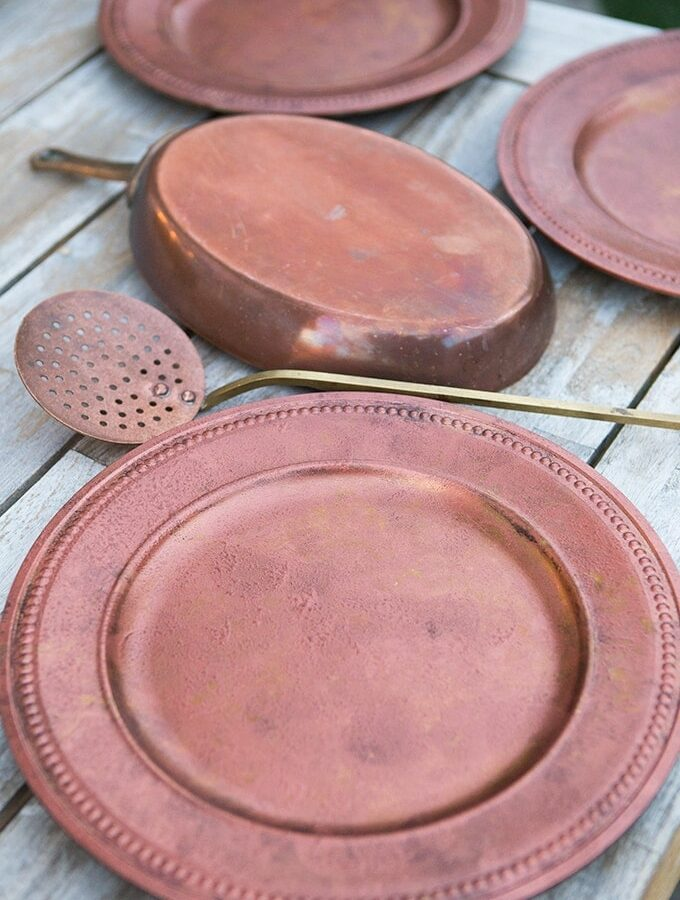 DIY Vintage Copper Charger from plain gold one- simple, easy, classic, and lovely.