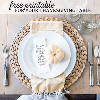 30 free fall printables for autumn decorating and entertaining- farmhouse and vintage rustic seasonal home decor for family and kids alike! #leaves #letters #apples #vintage