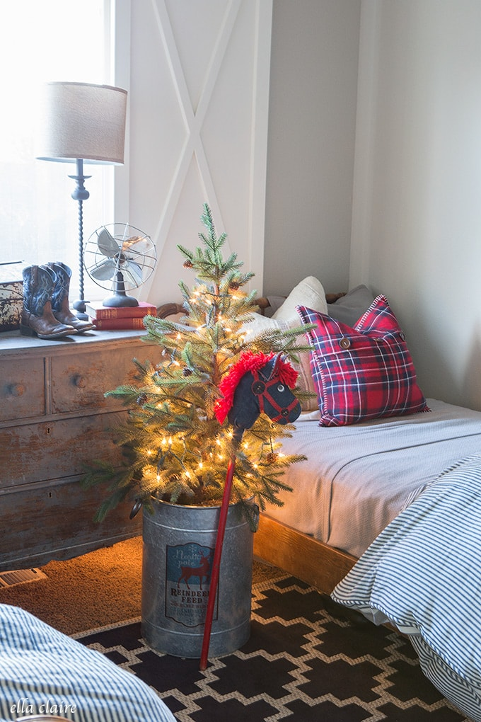 Little Boys Christmas Bedroom Red and Blue with sweet vintage touches