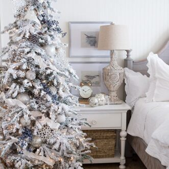 How to Set Up & Fluff an Artificial Christmas Tree