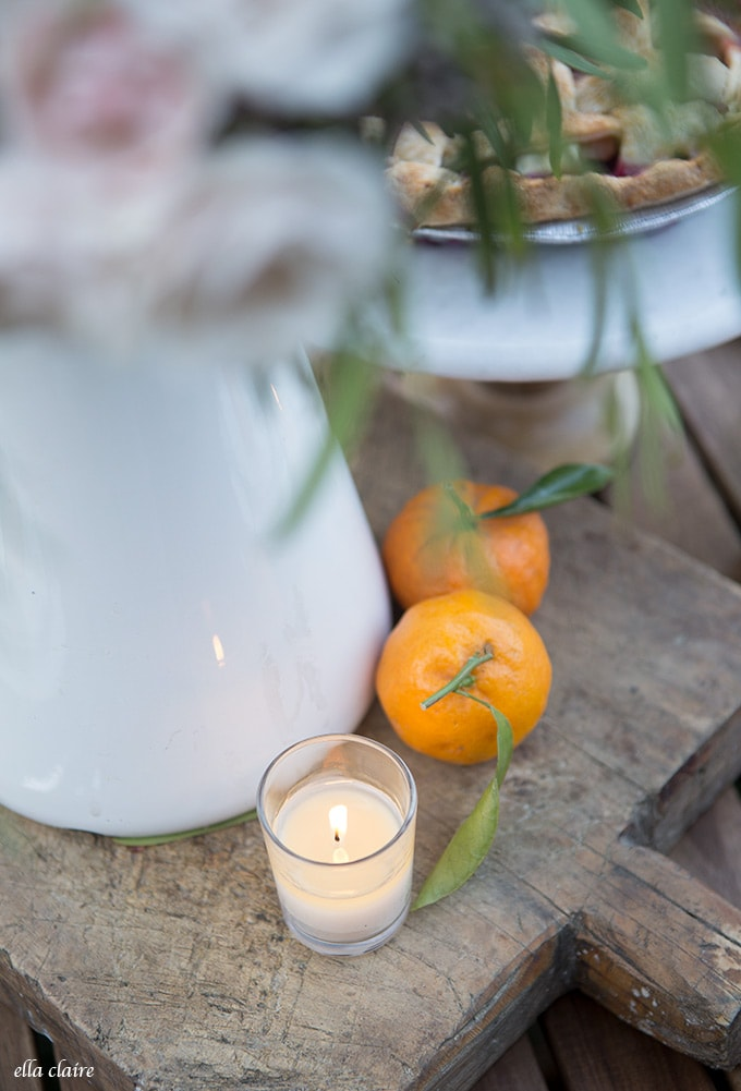 Oranges are a pretty and colorful non-flower table decoration accent