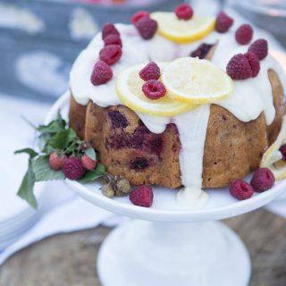 Raspberry cake with lemon icing