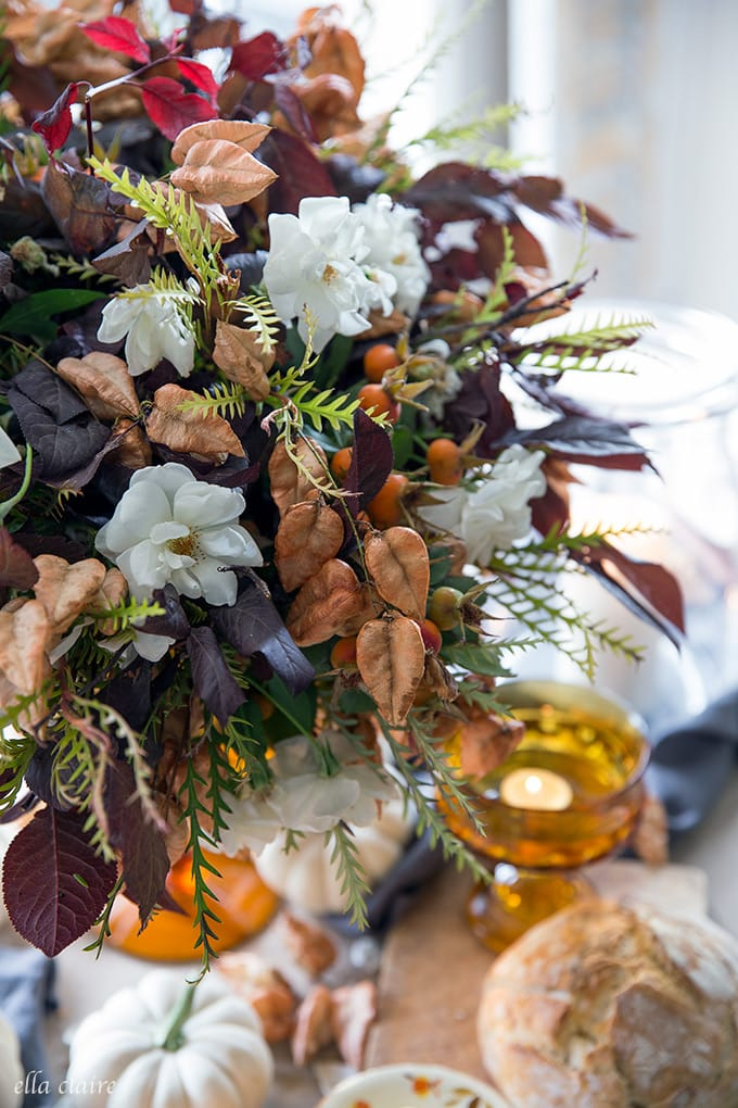 Flower arrangement using things found in the outdoors for fall