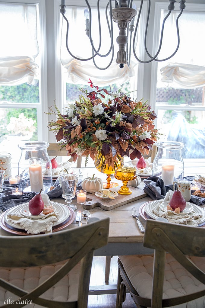 Easey DIY flower arrangement for fall tablescape.