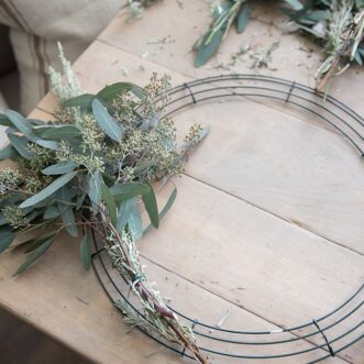 How to Make a Live Wreath
