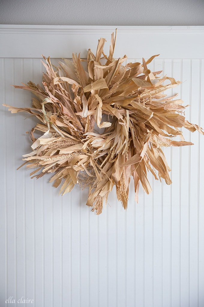Easy DIY Corn Stalk Wreath- a cheap fall decoration idea