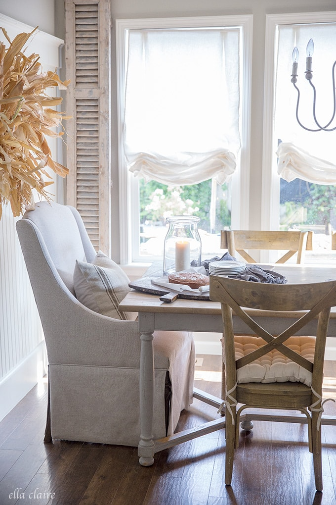 fall dining room with DIY corn husk wreath