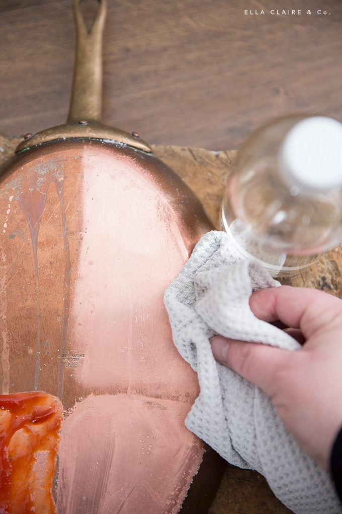 4 DIY methods to clean copper at home- tested and compared. cleaning, polishing and shining copper is a very quick and easy project.