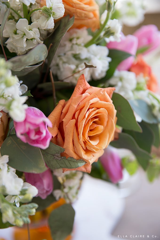 These tips for an easy flower arrangement help you create a beautiful table centerpiece for entertaining.