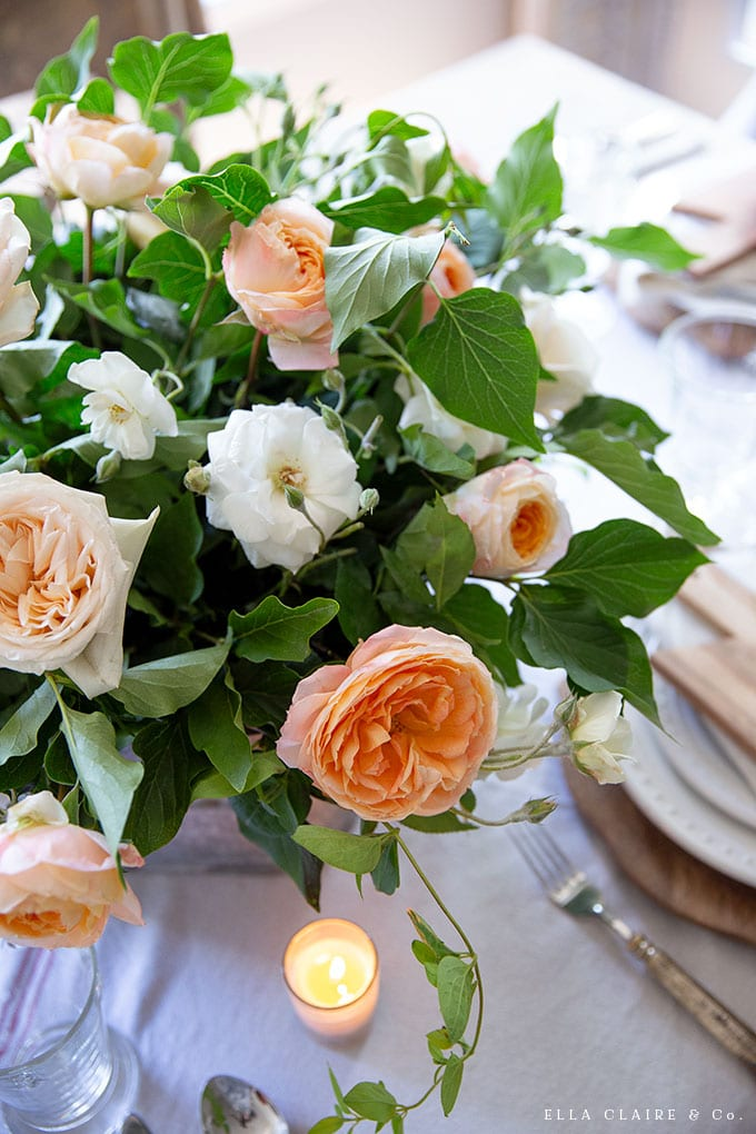 Create this very simple, inexpensive and easy DIY garden rose flower arrangement using this tutorial.