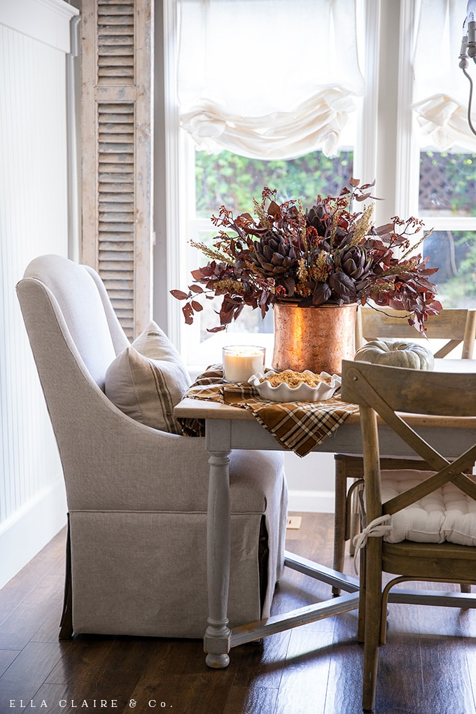 Deep warm tones, rich coppers and candlelight ambiance are inviting and cozy for entertaining in the fall.