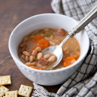 Easy Slow Cooker Bean and Ham Soup