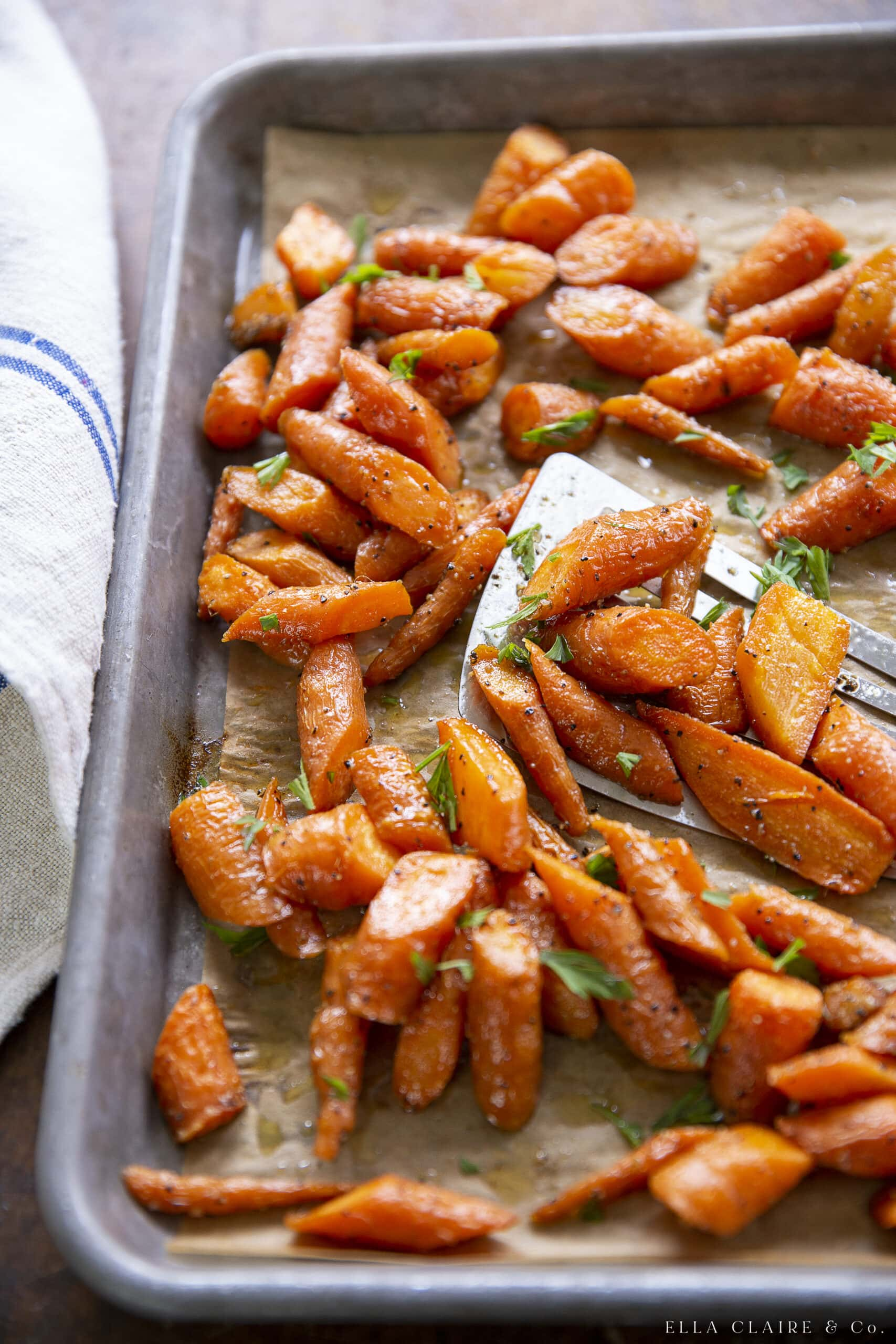 pan of healthy oven roasted carrots