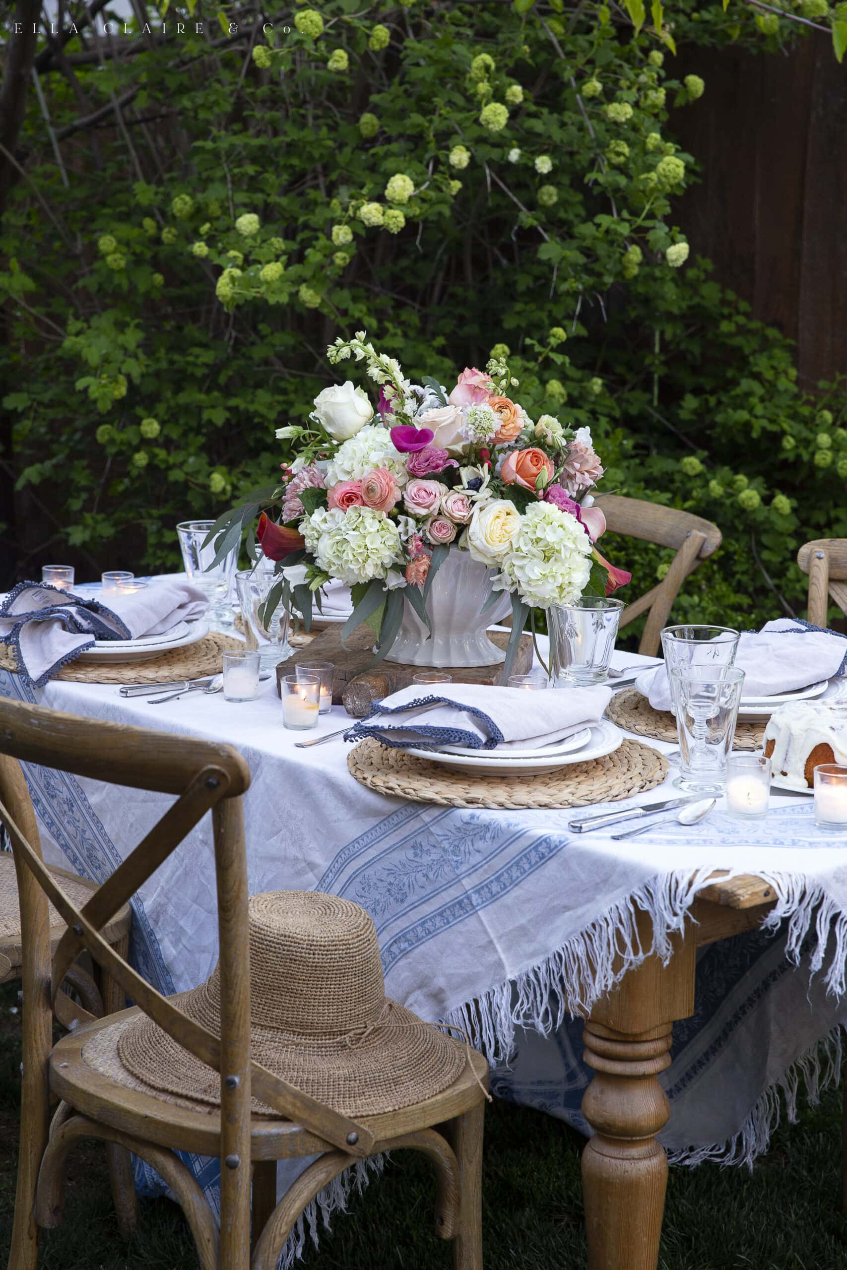 centerpiece on spring outdoor table